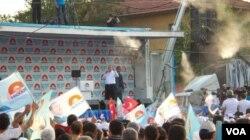 Thủ tướng Thổ Nhĩ Kỳ Recep Tayyip Erdogan đi vận động tranh cử tổng thống ở Diyarbakir