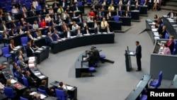 نشست پارلمان آلمان که قطعنامه محکومیت نسل کشی ارامنه در آن تصویب شد.