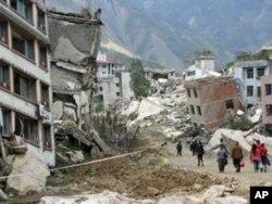 張楠在汶川地震後採訪地震災區拍攝的照片--震後的北川。