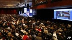 Ron Paul obraća se 38. godišnjoj Konzervativnoj političkoj akcijskoj konferenciji u Washingtonu 10. veljače
