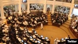 صوبائی کابینہ میں توسیع اور کچھ وزرا کی کابینہ میں دوبارہ شمولیت کے باوجود ایک بھی خاتون کو کسی وزارت کا اہل قرار نہیں دیا گیا۔ (فائل فوٹو)