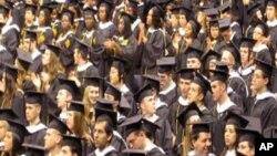 Sve veći broj mladih Amerikanaca vraća se kući po svršetku studija