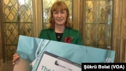 İşçi Partisi Londra milletvekili Joan Ryan