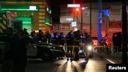 Policija u blizini mesta gde se odigrala pucnjava (Foto: Reuters/Chris Helgren)