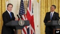 기자회견을 하는 오바마 대통령(우)과 캐메런 총리