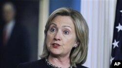 Η Χίλαρυ Κλίντον υπέρ της στρατηγικής του ΝΑΤΟ στο Αφγανιστάν