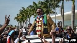 Tundu Lissu arrive à Dar es Salaam, en Tanzanie, le 27 juillet 2020.