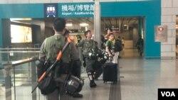 大批防暴警察9月7日在機鐵香港站駐守。(美國之音 湯惠芸拍攝)