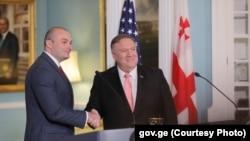 Премьер-министр Грузии Мамука Бахтадзе и госсекретарь США Майк Помпео. Вашингтон, 11 июня 2019 г.