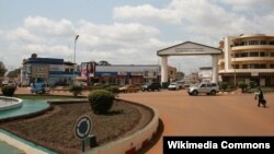 suasana di pusat ertokoan di Bangui, Republik Africa Tengah (Foto: dok). Kedubes AS di kota ini tutup sementara dan mengevakuasi stafnya karena ancaman pemberontak untuk menggulingkan pemerintah.