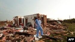 Город Мур после торнадо