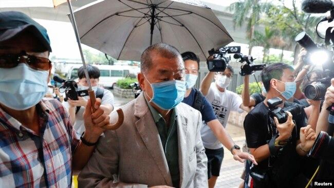 香港壹传媒创办人黎智英抵达西九龙法院。(2020年9月3日)