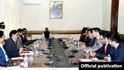 افغانستان کے نائب وزیر خارجہ کی قیادت میں افغان وفد پاکستان کے قومی سلامتی مشیر ناصر خان جنجوعہ سے ملاقات کر رہا ہے