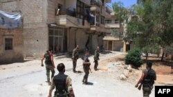 Leşkerên Sûrê li Helebê