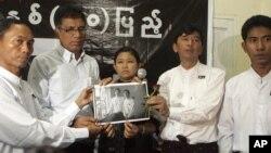 Các lãnh đạo của nhóm Thế Hệ 88 kêu gọi phóng thích tất cả các tù nhân chính trị còn bị giam giữ và đòi cho phép tất cả các thành phần hoạt động lưu vong được trở về nước