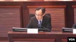 香港政制及內地事務局局長聶德權 (美國之音湯惠芸拍攝)