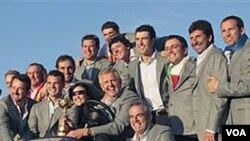 El equipo europeo celebra su triunfo en la Copa Ryder tras su última derrota.