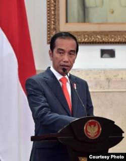 Presiden Jokowi memberikan pengarahan pada Sidang Kabinet Paripurna di Jakarta, Senin (7/1) (Setpres RI)