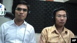 "Dy Khamboly, author of ""A History of Democratic Kampuchea"" and Huy Vannak, a Public Affairs Officers at the Khmer Rouge Tribunal, discuss the importance of youth participation in the Khmer Rouge trial process."