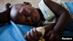 کودکان افریقایی با بیشترین خطر ابتلا به ملاریا روبرو اند.