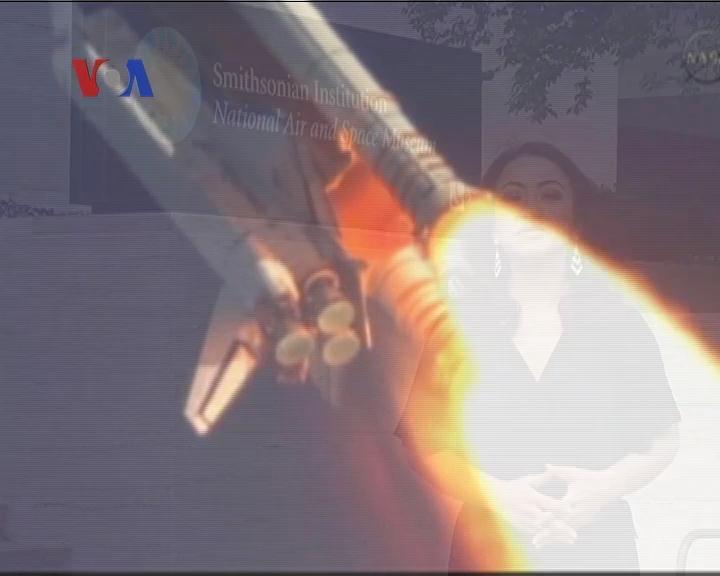 Aksi Terakhir Pesawat Ulang-Alik Discovery - Liputan Berita VOA 18 April 2012