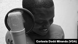 Dodó Miranda, cantor de Angola
