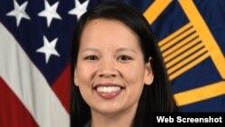 Bà Margaret Vo Schaus, Giám đốc Hoạt động Kinh doanh của Văn phòng Bộ trưởng Bộ Quốc phòng, Vụ Nghiên cứu và Kỹ thuật, vừa được Tổng thống Joe Biden đề cử làm Giám đốc Tài chính của NASA. Photo US Army by Mondica King via DIVIDS