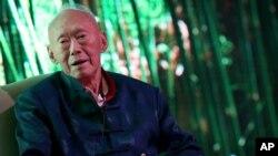 Mantan perdana menteri Singapura Lee Kuan Yew pada sebuah forum di negara kota tersebut, 2013. (AP/Wong Maye-E)