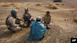 تعدادی از افغان هایی که سابق با نیروهای فرانسهای در افغانستان کار میکردند، اکنون در فرار از تهدید مرگ قرار دارند