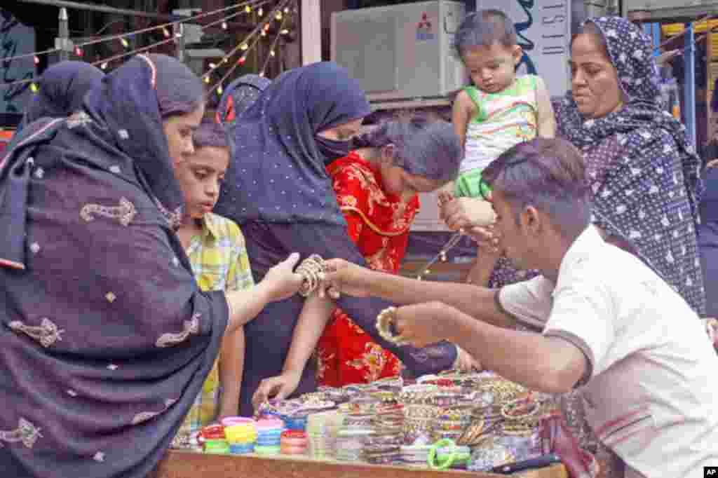 پاکستان میں عید کی تیاریاں