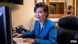 """加州的民主黨華裔眾議員趙美心星期二發表聲明指責布殊所說的""""先遣嬰兒""""特指亞洲人言論。"""