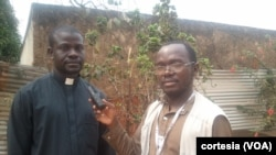 António Makoko Miamba, padre, e o correspondente da VOA Coque Mukuta
