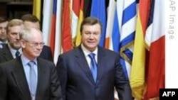 Ukrayna'nın Yeni Cumhurbaşkanı Brüksel'de AB Liderleriyle Görüştü