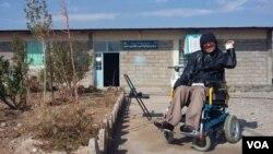 هم اکنون ۴۴۹ فرد معلول در بنیاد خیریۀ پیرهرات سرگرم آموزش اند.