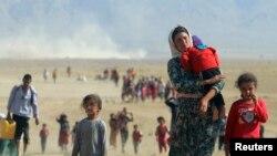 为远离伊斯兰国组织的暴力,被迫弃家出逃的雅兹迪少数族裔 (2014年8月11日)