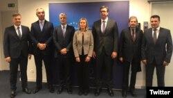 Lideri sa Zapadnog Balkana sa visokom predstavnicom EU Federikom Mogerini (Twitter/Maja Kocijancic)