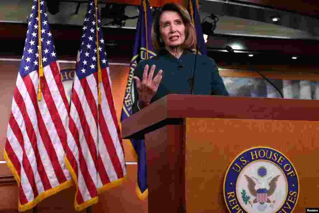 نانسی پلوسی در واشنگتن با خبرنگاران سخن گفت. دموکرات های می گویند روش پرزیدنت ترامپ برای ساخت دیوار مرزی به افزایش امنیت منجر نمی شود. در مقابل مقام های دولت ترامپ می گویند اگر بودجه دیوار مرزی اختصاص داده نشود امنیت کشور به خطر می افتد.