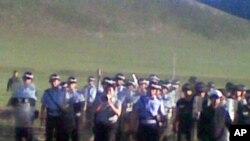 巴林左旗公安前去內蒙古赤峰市巴林左旗的巴彥淖爾鎮鎮壓抗議活動