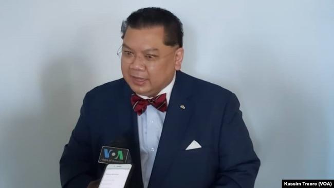 Đại sứ J. Peter Phạm trả lời phỏng vấn VOA đề vấn đề Mali.
