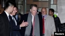 即將常見美中高級別貿易談判的美國貿易代表萊特希澤抵達北京一家酒店。 (2019年2月12日)