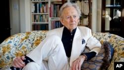 تام وولف، داستاننویس و روزنامهنگار