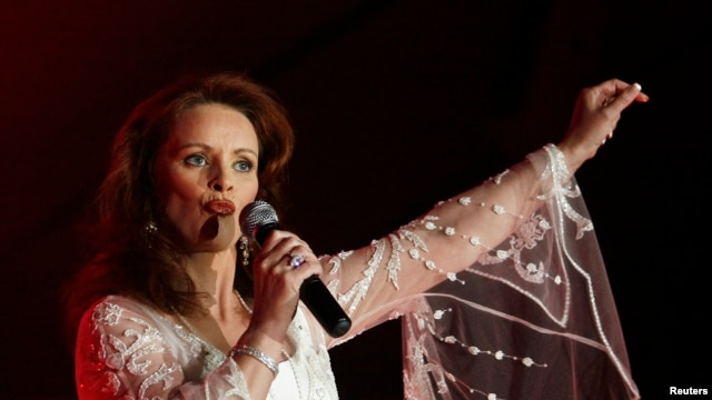 Scottish singer Sheena Easton performs during her concert at a casino in Vina del Mar, Chile.