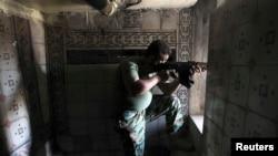 一位叙利亚自由军军人