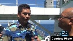 Nhà báo Vũ Hoàng Lân, Phố Bolsa TV, phỏng vấn Chính trị viên tàu Cảnh sát biển CSB 8001