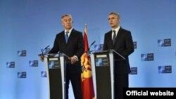 親西方的黑山共和國總統米洛·久卡諾維奇和歐盟的斯托爾廷貝格。