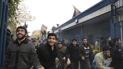 عقب نشینی مقام های جمهوری اسلامی از اشغال سفارت بریتانیا در تهران