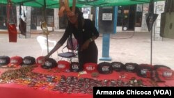 Luzia Tchimuco, artesã