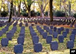 Un cementerio donde están enterrados soldados de la Primera Guerra Mudnial en Frankfurt, Alemania, es visto el 3 de noviembre de 2018.
