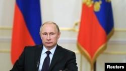 俄羅斯總統普京否認捲入烏克蘭的戰事