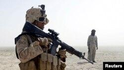 Askari ka tirsan ciidanka badda Mareykanka oo jooda Afganstan